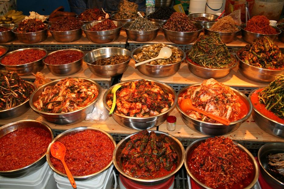 Kalian ada yang tau ga kalo Kimchi itu banyak bgt jenisnya??? Kalo aq ...