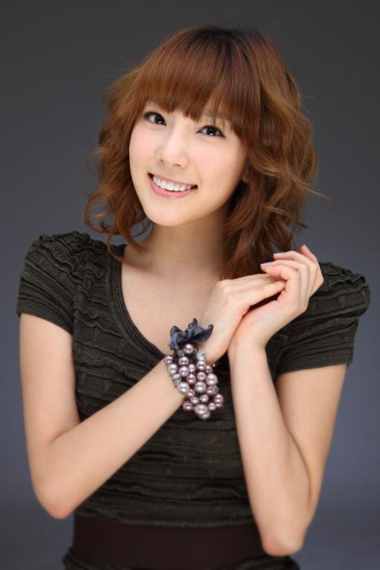 http://yeppopo.files.wordpress.com/2011/03/20101217_taeyeon_1.jpg